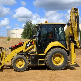 Mineral Trade LTD | Οικοδομικά Υλικά - Caterpillar 432F2 Backhoe Loader
